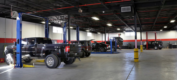 Dallas 4 Wheel Parts State-Of-The-Art Service Bay